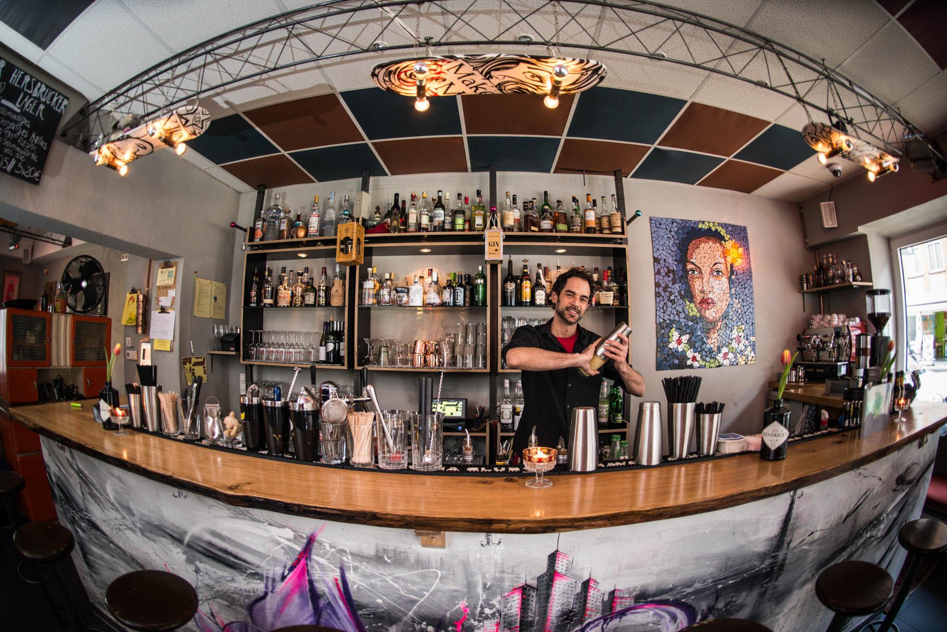 Streetart Bar from inside